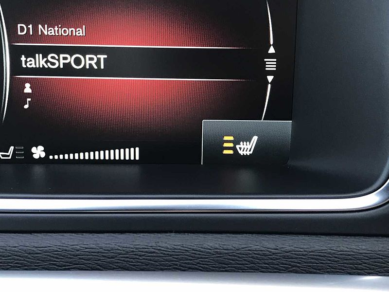 Volvo V40 T2 R-Design Manual Nav Winter Pack inc Heated Front Windscreen & Heated Front Seats