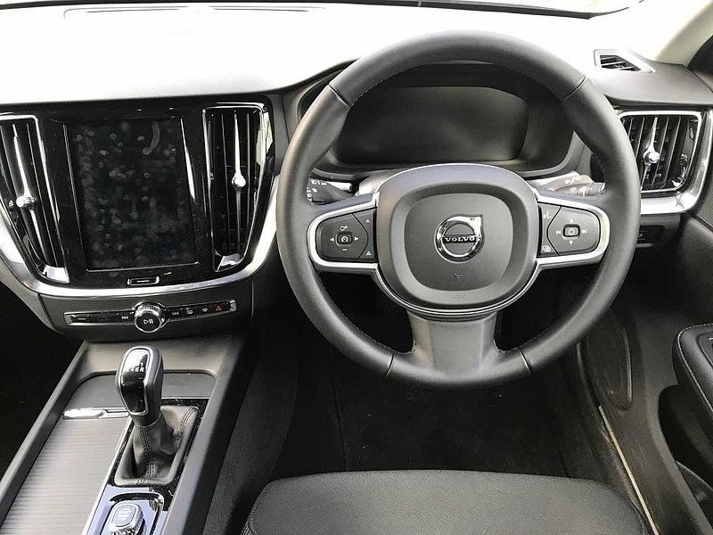 Volvo V60 D3 Momentum Manual